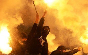Болельщиков-хулиганов смогут лишать права посещать соревнования на срок до трех лет