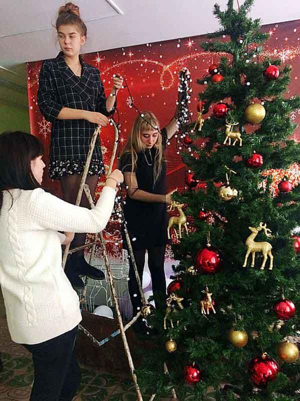 История традиции украшения новогодней елки